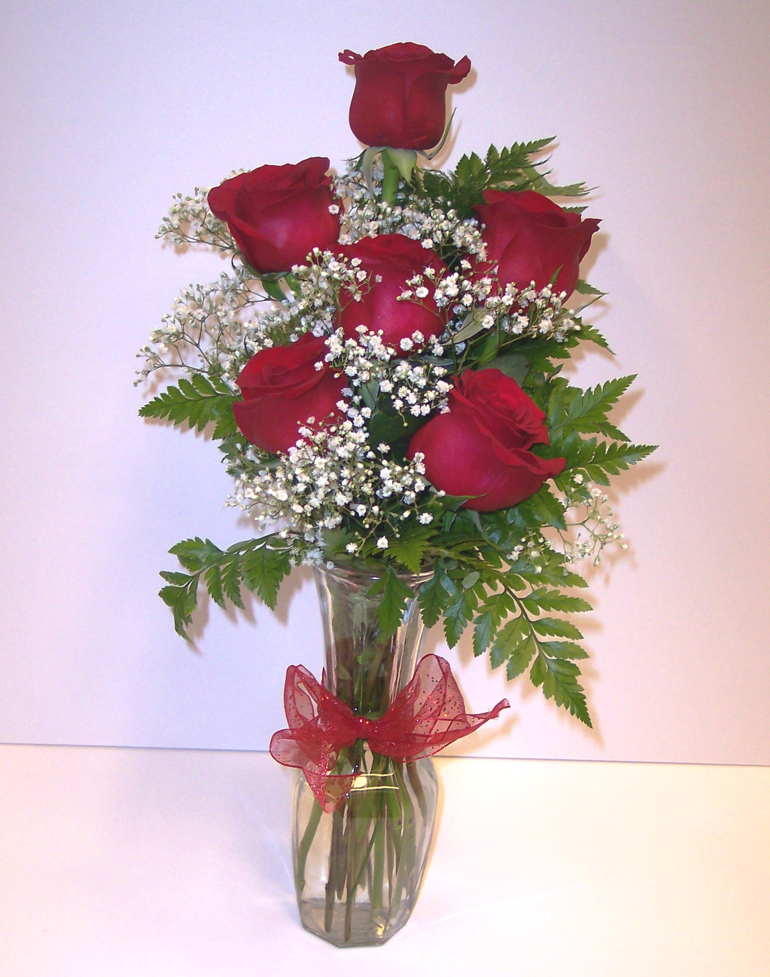 Red Roses - Bud Vases & Bouquets