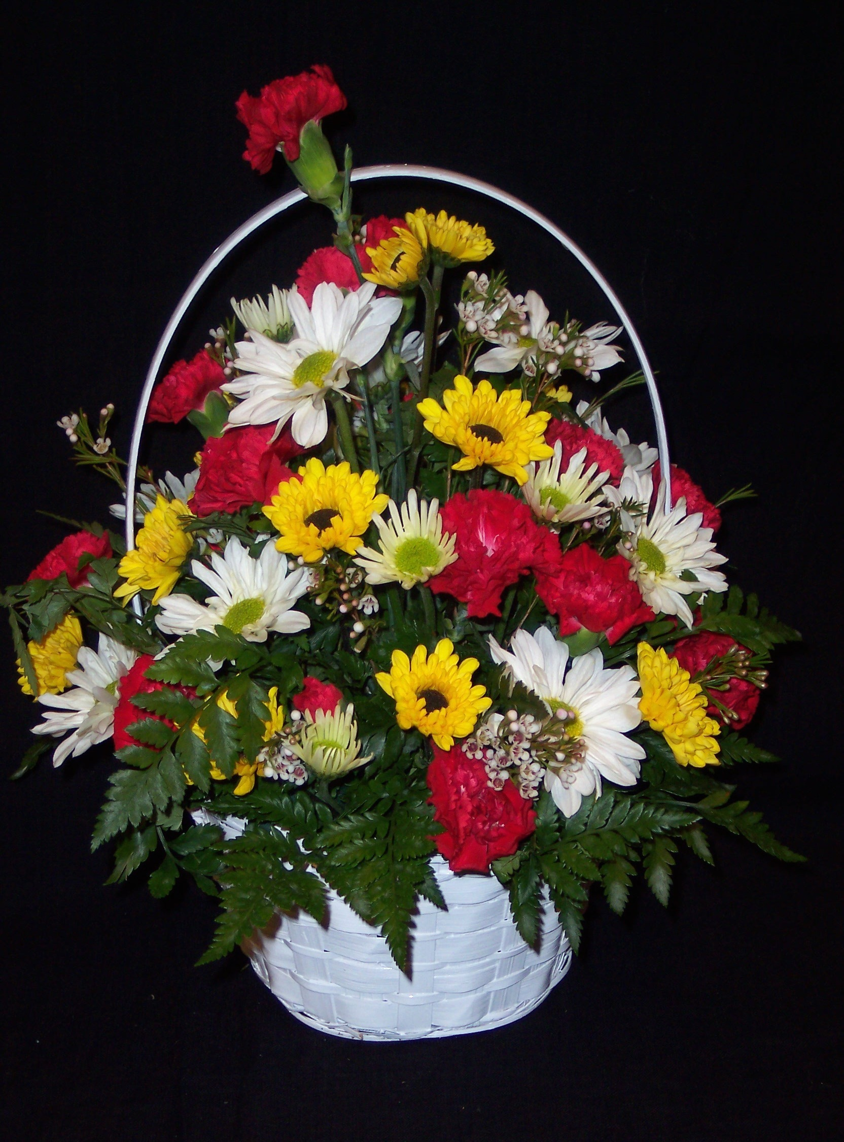 Premium (large) Seasonal Arrangement in Basket